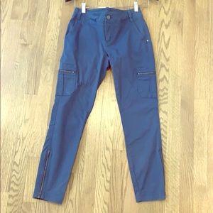 Athleta crop cargo pants